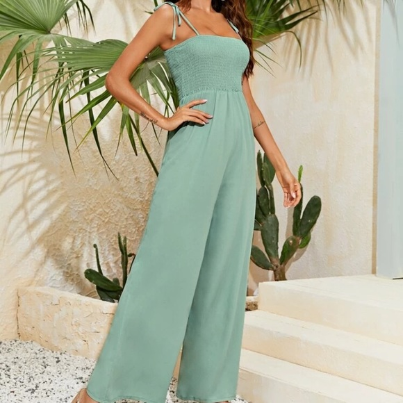 NWOT Shirred Bodice Knotted Flowy Cami Jumpsuit